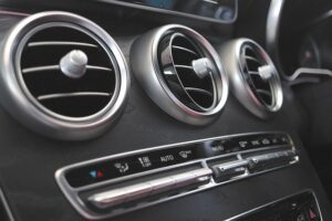 Tips from Your Fuel Supplier: Debunking 3 Fuel Efficiency Myths